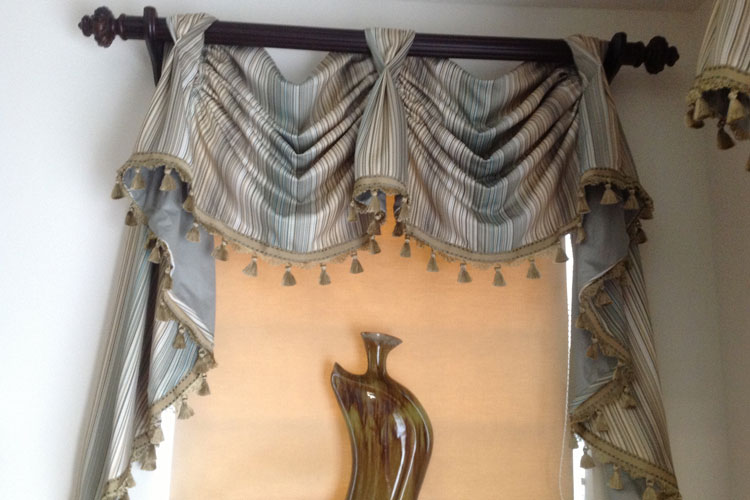 custom window drapes
