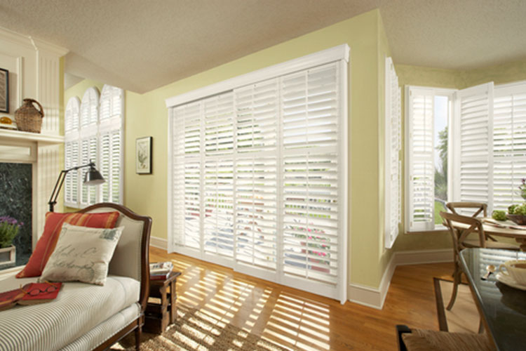 New Style® Hybrid Shutters